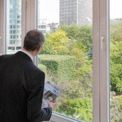 Отель DoubleTree by Hilton Brussels City Бельгия, Брюссель - 2 отзыва об отеле, цены и фото номеров - забронировать отель DoubleTree by Hilton Brussels City онлайн балкон