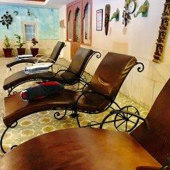 Suryaa Villa - A City Centre Hotel интерьер отеля фото 3
