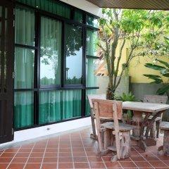 Отель 4 BR Private Villa in V49 Pattaya w/ Village Pool Таиланд, Паттайя - отзывы, цены и фото номеров - забронировать отель 4 BR Private Villa in V49 Pattaya w/ Village Pool онлайн вид на фасад