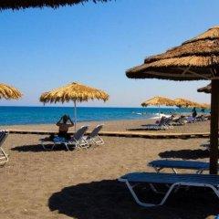 Отель Mediterranean Beach Palace Hotel Греция, Остров Санторини - отзывы, цены и фото номеров - забронировать отель Mediterranean Beach Palace Hotel онлайн пляж