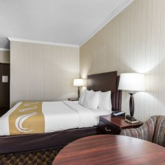 Отель Quality Inn & Suites Los Angeles Airport - LAX комната для гостей