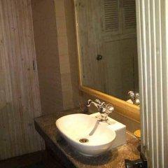 Отель Teji's Residency ванная фото 2
