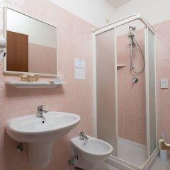 Отель Emilia Италия, Римини - отзывы, цены и фото номеров - забронировать отель Emilia онлайн ванная фото 3