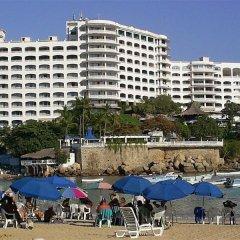 Отель Caleta Beach Resort Мексика, Акапулько - отзывы, цены и фото номеров - забронировать отель Caleta Beach Resort онлайн пляж