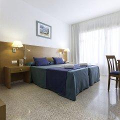 Отель azuLine Hotel S'Anfora & Fleming Испания, Сан-Антони-де-Портмань - отзывы, цены и фото номеров - забронировать отель azuLine Hotel S'Anfora & Fleming онлайн комната для гостей