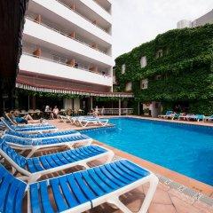 Отель Xaine Park бассейн фото 3