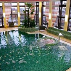 Отель Chateau Monty Spa Resort бассейн