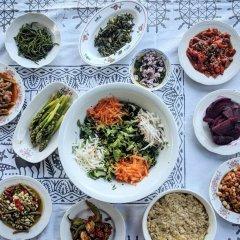 Отель Bahab Guest House питание