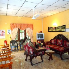 Отель Thirasara Holiday Inn Шри-Ланка, Тиссамахарама - отзывы, цены и фото номеров - забронировать отель Thirasara Holiday Inn онлайн интерьер отеля