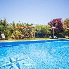 Отель Can Berguins бассейн
