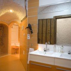 Отель Cuevalia. Alojamiento Rural en Cueva ванная