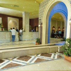Курортный отель Sunrise Select Royal Makadi интерьер отеля