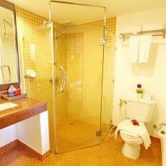Отель All Seasons Naiharn Phuket ванная