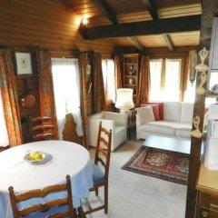 Отель Abnaki, Chalet Швейцария, Гштад - отзывы, цены и фото номеров - забронировать отель Abnaki, Chalet онлайн комната для гостей фото 3