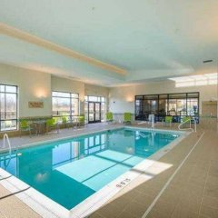 Отель TownePlace Suites by Marriott Frederick бассейн