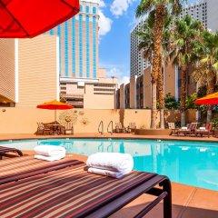 Отель Best Western Plus Casino Royale США, Лас-Вегас - отзывы, цены и фото номеров - забронировать отель Best Western Plus Casino Royale онлайн бассейн