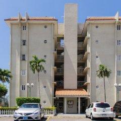 Отель Oakland CE by Pro Homes Jamaica парковка