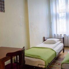 Отель Red Nose - Hostel Латвия, Рига - 9 отзывов об отеле, цены и фото номеров - забронировать отель Red Nose - Hostel онлайн комната для гостей фото 2