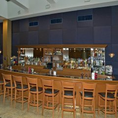 The Watson Hotel гостиничный бар