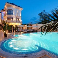 Гостиница Villa le Premier бассейн
