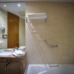 Отель Senator Parque Central Hotel Испания, Валенсия - 12 отзывов об отеле, цены и фото номеров - забронировать отель Senator Parque Central Hotel онлайн ванная фото 2
