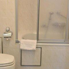 Hotel A La Grande Cloche ванная фото 3