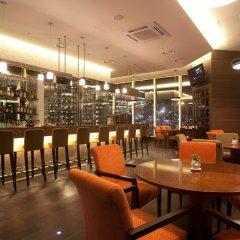 Отель Lotte City Hotel Mapo Южная Корея, Сеул - отзывы, цены и фото номеров - забронировать отель Lotte City Hotel Mapo онлайн гостиничный бар