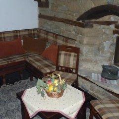 Отель Parlapanova Guest House - Pool Access Боженци балкон