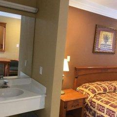Отель Beverly Inn США, Лос-Анджелес - отзывы, цены и фото номеров - забронировать отель Beverly Inn онлайн ванная фото 2