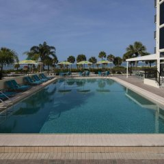 Отель Holiday Inn Lido Beach, Sarasota бассейн