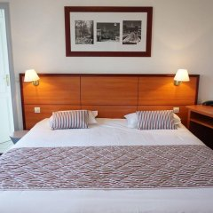 Отель Coypel сейф в номере