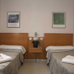 Отель Hostal Lami Испания, Эсплугес-де-Льобрегат - 5 отзывов об отеле, цены и фото номеров - забронировать отель Hostal Lami онлайн детские мероприятия фото 2