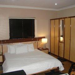 Отель Charlies Place And Suite удобства в номере
