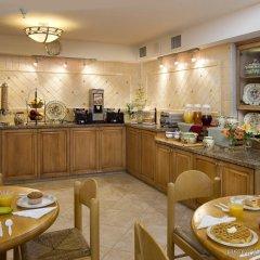 Отель Sommerset Suites питание фото 2
