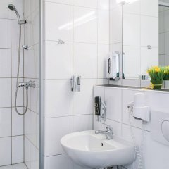 Отель Mikon Eastgate Hotel - City Centre Германия, Берлин - 1 отзыв об отеле, цены и фото номеров - забронировать отель Mikon Eastgate Hotel - City Centre онлайн ванная