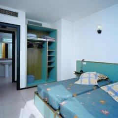 Отель Apartamentos Sun & Moon (Ex Xaine Sun) Испания, Льорет-де-Мар - отзывы, цены и фото номеров - забронировать отель Apartamentos Sun & Moon (Ex Xaine Sun) онлайн комната для гостей фото 2