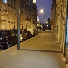 Апартаменты Studio Apartment Near The Eiffel Tower парковка