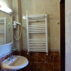 Отель Guest House Delphini Болгария, Генерал-Кантраджиево - отзывы, цены и фото номеров - забронировать отель Guest House Delphini онлайн ванная