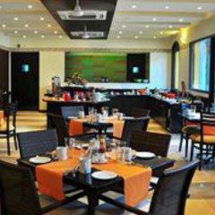Отель Kyriad Prestige Calangute Goa Индия, Гоа - отзывы, цены и фото номеров - забронировать отель Kyriad Prestige Calangute Goa онлайн питание фото 3