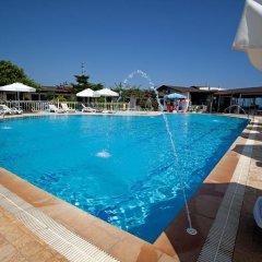 Grand Ada Hotel бассейн фото 2