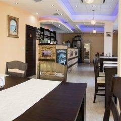 Отель Ivatea Family Hotel Болгария, Равда - отзывы, цены и фото номеров - забронировать отель Ivatea Family Hotel онлайн гостиничный бар