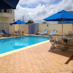 Primaveral Hotel бассейн