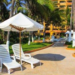 Costa De Oro Beach Hotel бассейн