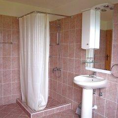 Отель Melanya Mountain Retreat Болгария, Ардино - отзывы, цены и фото номеров - забронировать отель Melanya Mountain Retreat онлайн ванная
