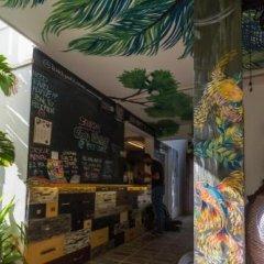 Отель Bunkyard Hostels Шри-Ланка, Коломбо - отзывы, цены и фото номеров - забронировать отель Bunkyard Hostels онлайн гостиничный бар