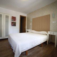 Отель Hostal Los Geranios Del Pinar Торремолинос комната для гостей фото 2