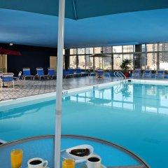 Отель Skyline Hotel США, Нью-Йорк - отзывы, цены и фото номеров - забронировать отель Skyline Hotel онлайн бассейн фото 2