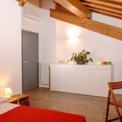 Отель Tenuta Le Sorgive Agriturismo Сольферино комната для гостей