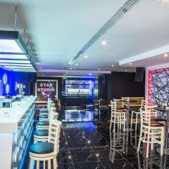 Отель Grand Excelsior Hotel Deira ОАЭ, Дубай - 1 отзыв об отеле, цены и фото номеров - забронировать отель Grand Excelsior Hotel Deira онлайн гостиничный бар
