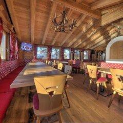 Отель Chalet Degli Angeli гостиничный бар